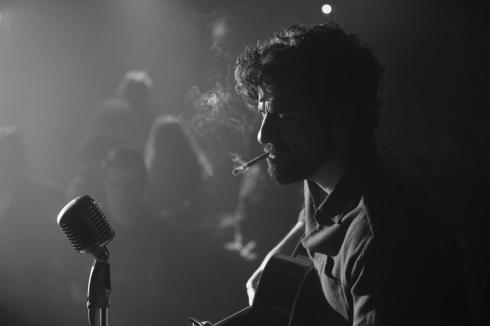 Oscar Isaac captivates us with the music of Llewyn Davis.
